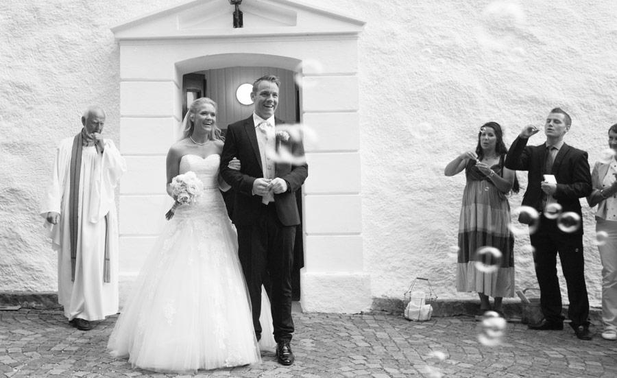 Vigsel i Steninge Kyrka, Halmstad, Falkenberg, Halland, Fotograf Katrin Svensson 9